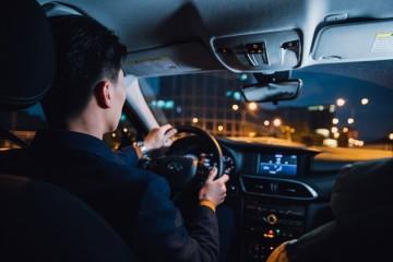网约车司机回家春节渠道该不该提价留人?
