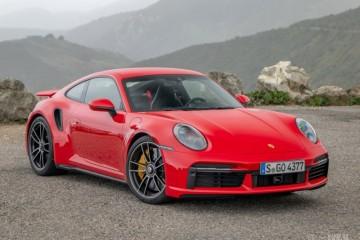 保时捷911TruboS选用GT3轻量化套件